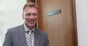 The door says David Moyes, the eyes say I'm lost.